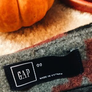 GAP Skirts - The perfect fall wool skirt from the Gap🍁🍂